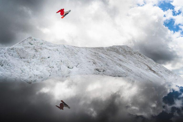 André Höflich Snowboard BS Cork 7 - Sport und Lifestyle Fotograf Chris Gollhofer Red Bull Illume