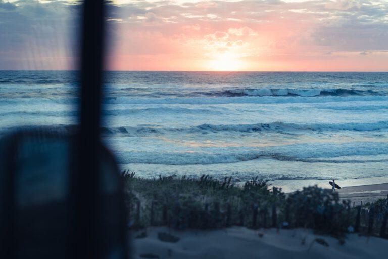 Sunset Surfsession in Südfrankreich - Vanlife Surftrip Chris Gollhofer Fotografie