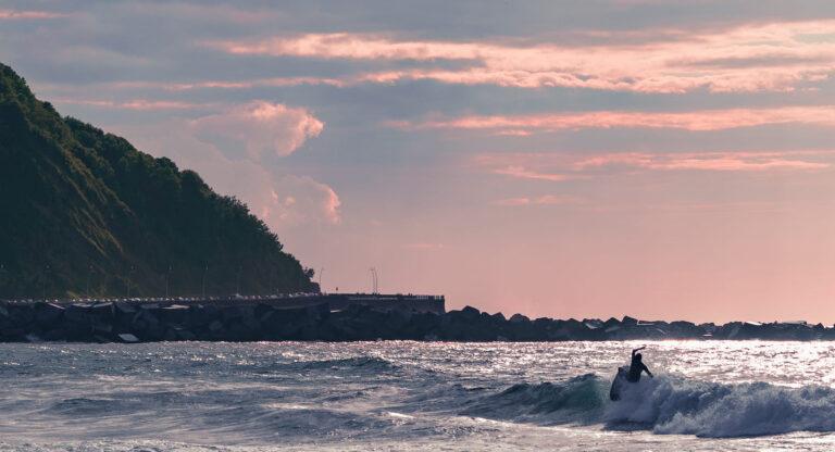 Die letzten Wellen des Surf-Roadtrips - - Vanlife Surftrip Chris Gollhofer Fotografie