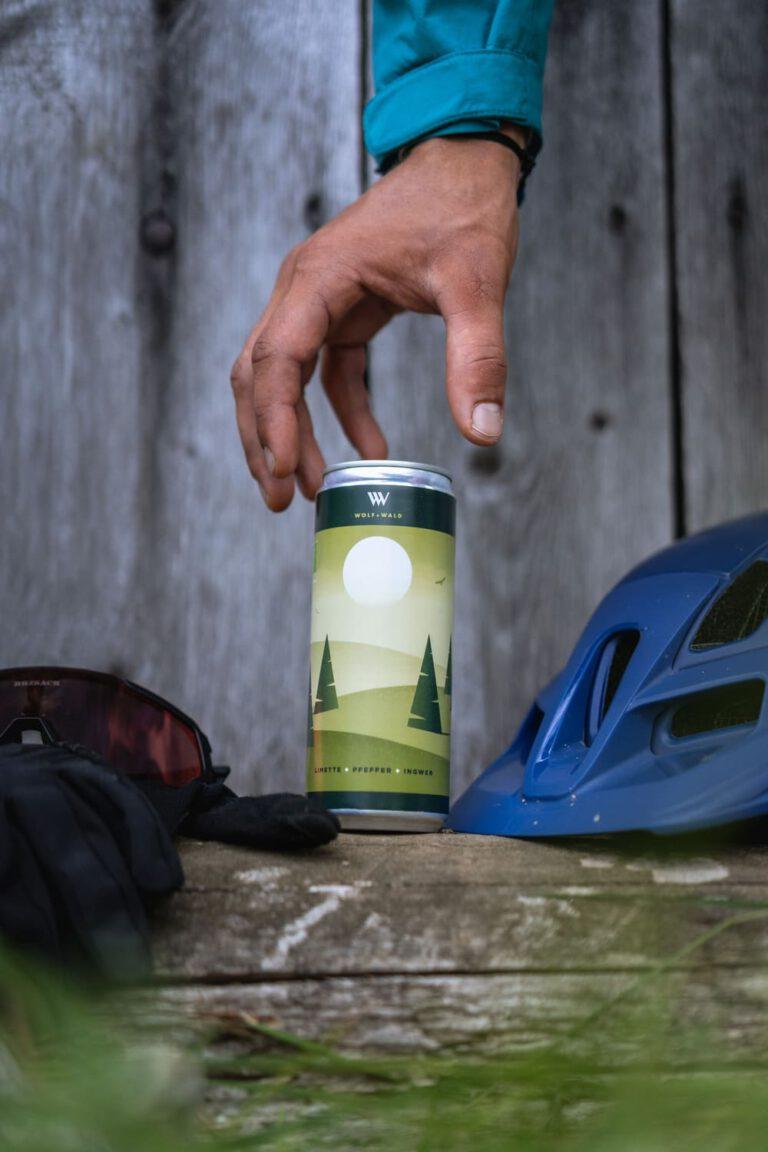 Produktfoto einer grünen Getränkedose - Chris Gollhofer Produktfotografie