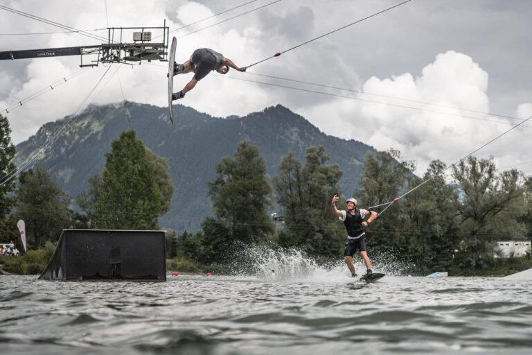 Wakeboard Pro Felix Georgii und Dominik Gührs bei der Red Bull Brettljause - Chris Gollhofer Lifestylefotografie