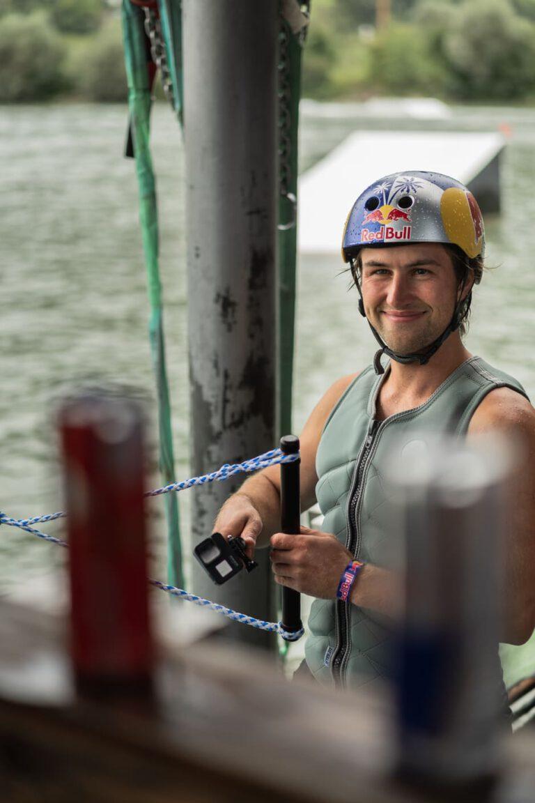 Wakeboardprofi Felix Georgii auf dem Startdock - Chris Gollhofer Lifestyle Fotografie
